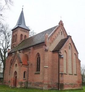 Kirche nach der Turminstandsetzung
